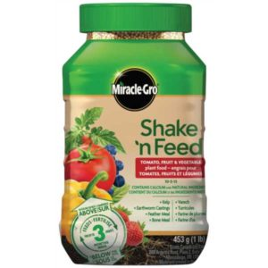 miracle gro shake 'n feed fertilizer